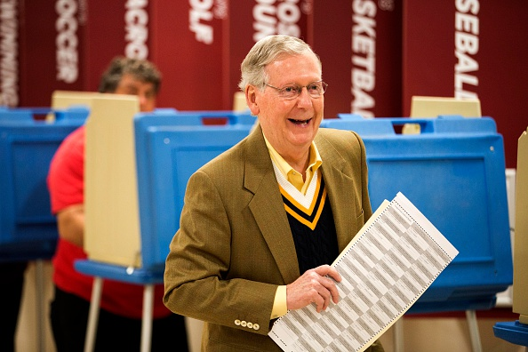 Aaron P「Sen. Mitch McConnell (R-KY) Casts His Vote In Midterm Elections」:写真・画像(12)[壁紙.com]