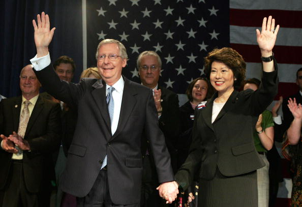 Elaine Chao「Mitch McConnell Defeats Challenger In Senate Race」:写真・画像(3)[壁紙.com]