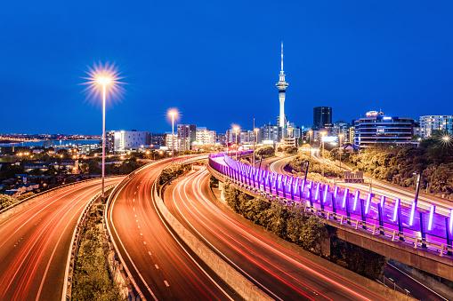 New Zealand「Auckland City Sky Tower Highway Traffic at Night New Zealand」:スマホ壁紙(2)