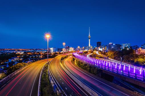 Auckland「Auckland City Highway Traffic at Night New Zealand」:スマホ壁紙(15)
