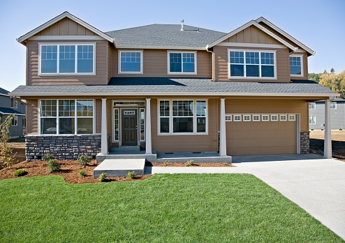 USA「Front of house with lawn and driveway」:スマホ壁紙(8)
