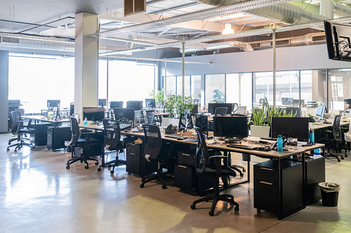 Corporate Business「Open plan office with work stations and computers」:スマホ壁紙(12)