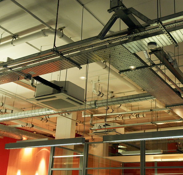 Open Plan「Open plan office lighting and air conditioning vents」:写真・画像(14)[壁紙.com]