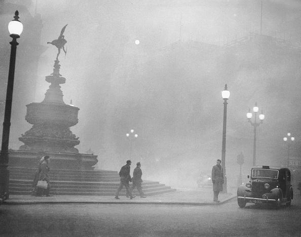 London - England「Piccadilly Smog」:写真・画像(8)[壁紙.com]