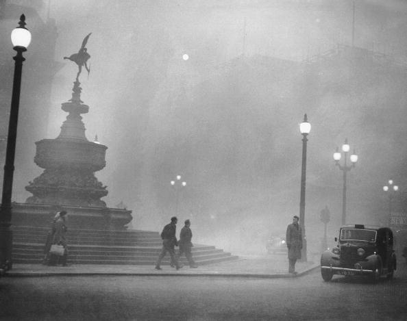 London - England「Piccadilly Smog」:写真・画像(1)[壁紙.com]