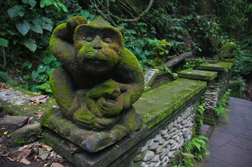 Hell「BALINESE MACAQUE stone statue in the MONKEY FOREST PARK - UBUD, BALI, INDONESIA」:スマホ壁紙(4)