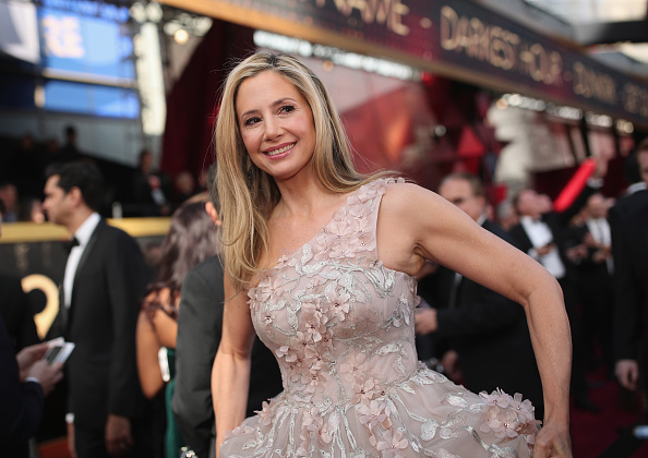 Mira Sorvino「90th Annual Academy Awards - Red Carpet」:写真・画像(2)[壁紙.com]