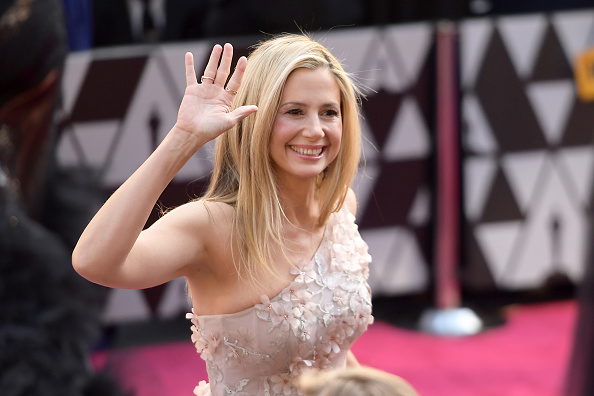 Mira Sorvino「90th Annual Academy Awards - Fan Arrivals」:写真・画像(18)[壁紙.com]