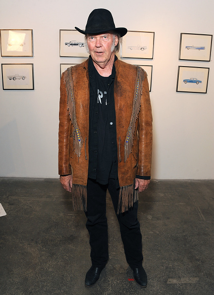 水彩画「Neil Young Opening Night Reception For 'Special Deluxe' Art Exhibition」:写真・画像(15)[壁紙.com]