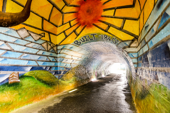 Footpath「Fire-Damaged Tunnel Gets Facelift Thanks to Local Community Volunteers and Cif's Hello Beautiful Neighbourhood Project」:写真・画像(16)[壁紙.com]