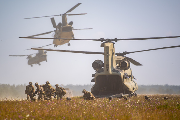 Disembarking「US Troops Participate In Saber Junction 20 Military Exercises」:写真・画像(14)[壁紙.com]