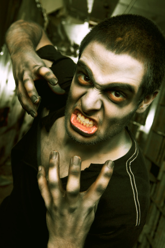 zombie「Zombie Living Dead Attack in Jail Cell Hallway」:スマホ壁紙(8)