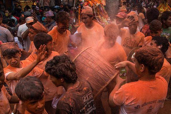Tradition「Locals Gather For The Sindoor Jatra Festival」:写真・画像(1)[壁紙.com]