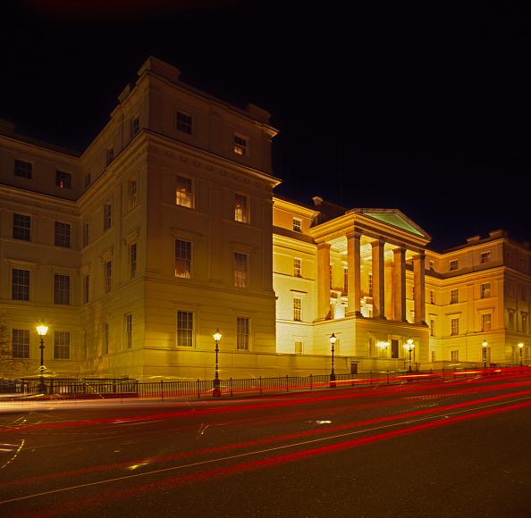 Headlight「Lanesborough Hotel, London at dusk, UK」:写真・画像(12)[壁紙.com]