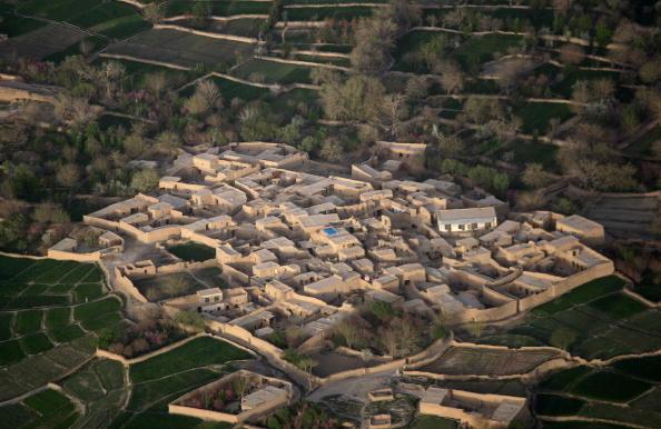 John Moore「U.S. Marines On Operations In Southwest Afghanistan」:写真・画像(0)[壁紙.com]