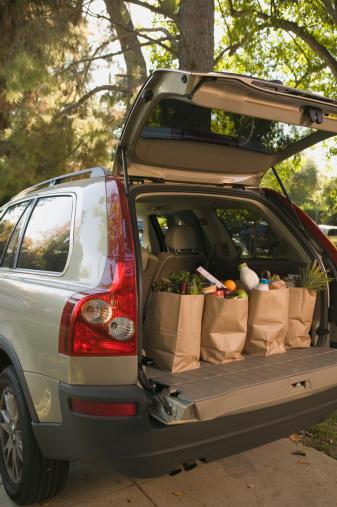 自動車「Grocery bags in car trunk」:スマホ壁紙(14)