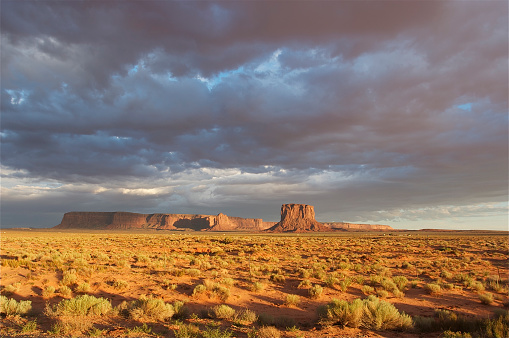 横位置「アリゾナ州、モニュメントバレー」:スマホ壁紙(15)