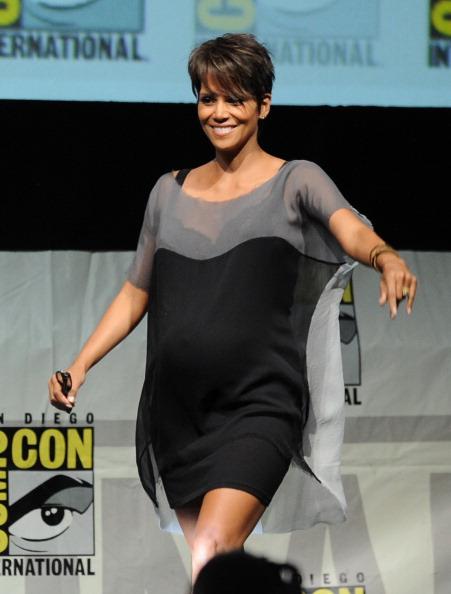 Two-Toned Dress「20th Century Fox Panel - Comic-Con International 2013」:写真・画像(5)[壁紙.com]