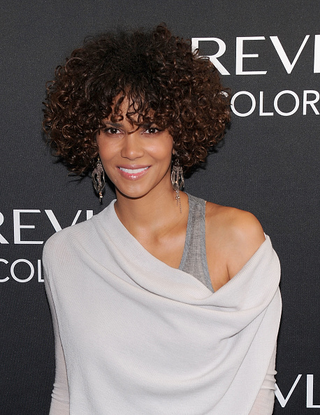 Curly Hair「Revlon ColorStay Whipped Creme Makeup Launch」:写真・画像(5)[壁紙.com]