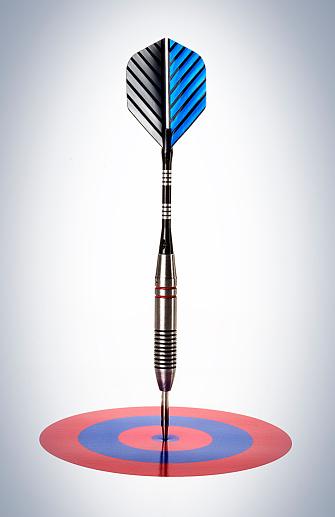 Sports Target「Dart in small target」:スマホ壁紙(10)