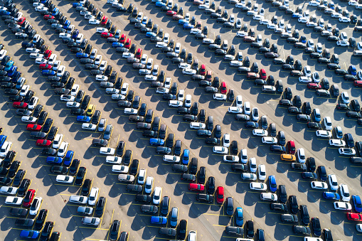 Car Dealership「Rows of cars from above」:スマホ壁紙(1)