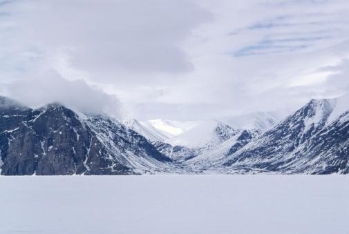 雪山「Mountains on Baffin Island, Canada」:スマホ壁紙(18)