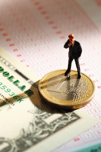 Work luck「Manager figurine standing on betting slip with euro coin and 100 us dollar note」:スマホ壁紙(6)