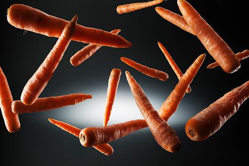 Mid-Air「Carrot in the air」:スマホ壁紙(3)