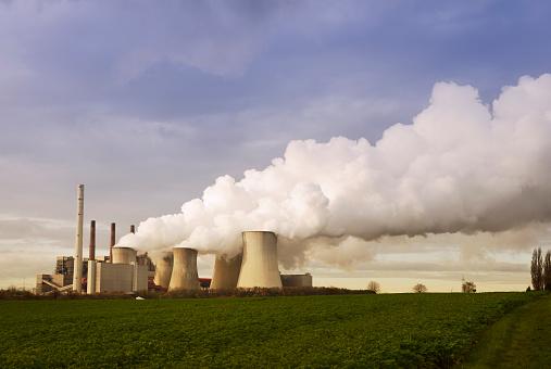 Grevenbroich「Gremany, North Rhine-Westphalia, Grevenbroich, Modern brown coal power station」:スマホ壁紙(8)
