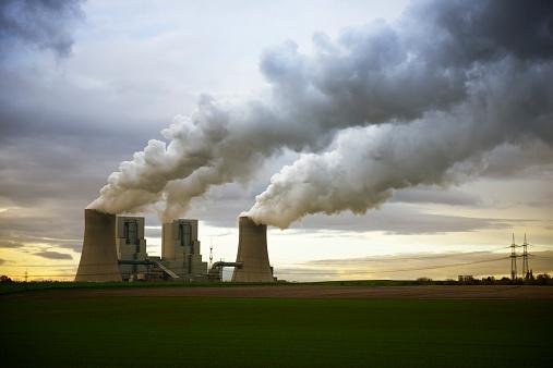 Grevenbroich「Gremany, North Rhine-Westphalia, Grevenbroich, Modern brown coal power station」:スマホ壁紙(14)
