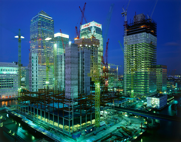 Construction Site「Construction in progress in Canary Wharf  Docklands area. London  United Kingdom.」:写真・画像(12)[壁紙.com]