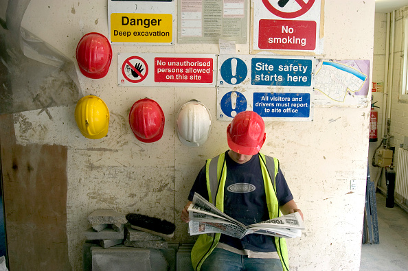 Coffee Break「Construction worker on a tea break」:写真・画像(17)[壁紙.com]