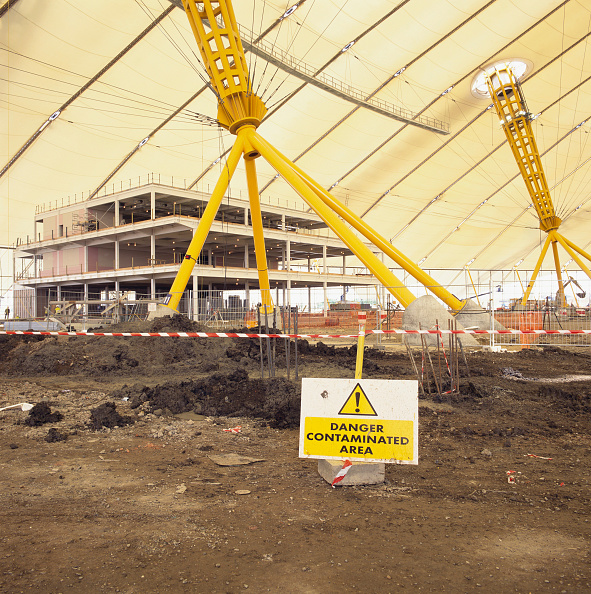 Danger「Construction of Millennium Dome, Greenwich, London, UK, interior」:写真・画像(4)[壁紙.com]