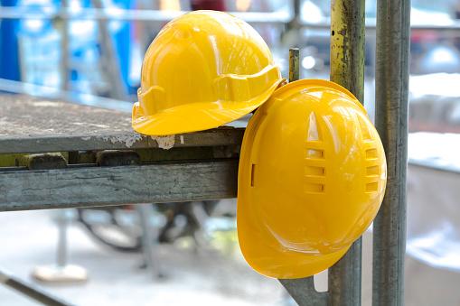 Hardhat「Construction helmets on scaffolding」:スマホ壁紙(18)