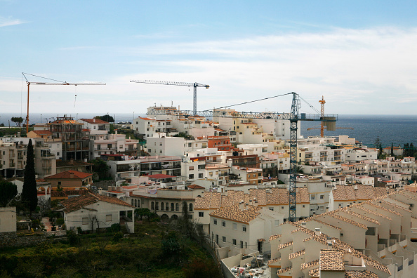 Horizon「Construction of houses on a hill with seaside in Andalusia」:写真・画像(13)[壁紙.com]