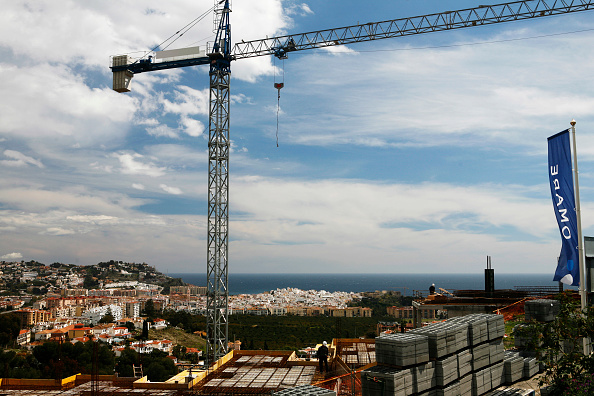 Horizon「Construction of houses on a hill with seaside in Andalusia」:写真・画像(0)[壁紙.com]