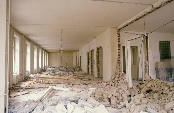 Damaged「Construction Work in a Flat in Vienna.」:写真・画像(0)[壁紙.com]