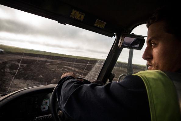Canola「Oil Boom Shifts The Landscape Of Rural North Dakota」:写真・画像(9)[壁紙.com]