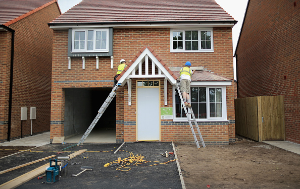 Construction Worker「Average House Price In The UK Rises 8% In The Year」:写真・画像(3)[壁紙.com]