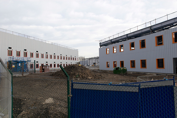 Overcast「Construction of new warehouses, Beckton, East London, UK」:写真・画像(15)[壁紙.com]