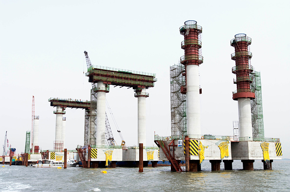 Cylinder「Construction of steel tubular piles for approach piers to Incheon Bridge in Seoul South Korea」:写真・画像(12)[壁紙.com]