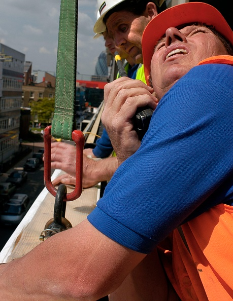 Mid Adult Men「Construction workers on site in London, UK」:写真・画像(10)[壁紙.com]