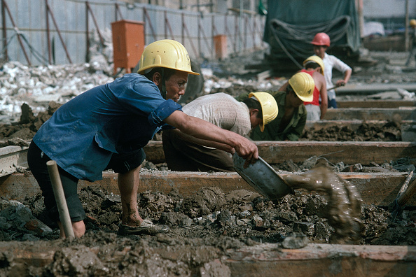 Manual Worker「Construction workers Shanghai, China」:写真・画像(4)[壁紙.com]