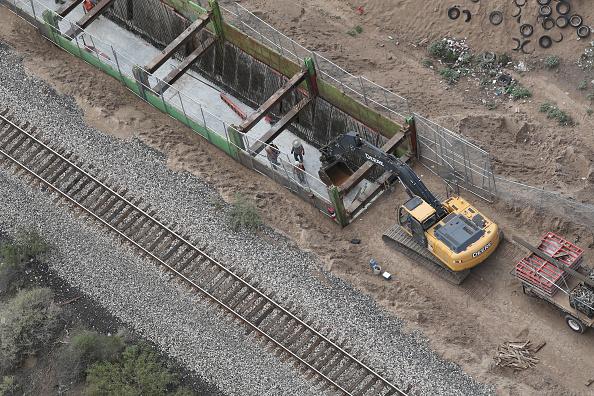 Boundary「CBP Conducts Aerial Patrols Over El Paso Sector Of US-Mexico Border」:写真・画像(11)[壁紙.com]