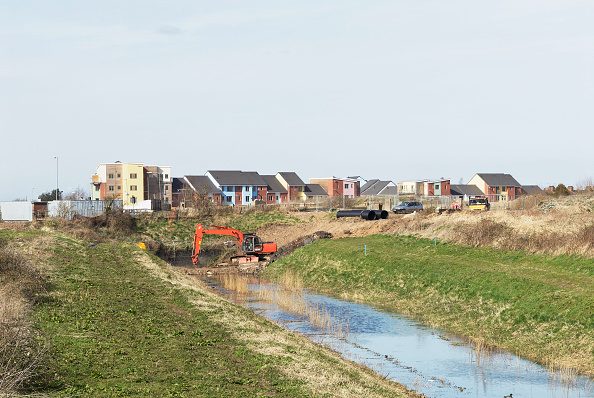 King's Lynn「Construction work at the South Lynn Millennium community development in Kings Lynn, one of seven UK sites set up in conjunction with English Partnerships and Local Government (CLG) which provide innovative homes in an environmentally friendly surrounding」:写真・画像(12)[壁紙.com]