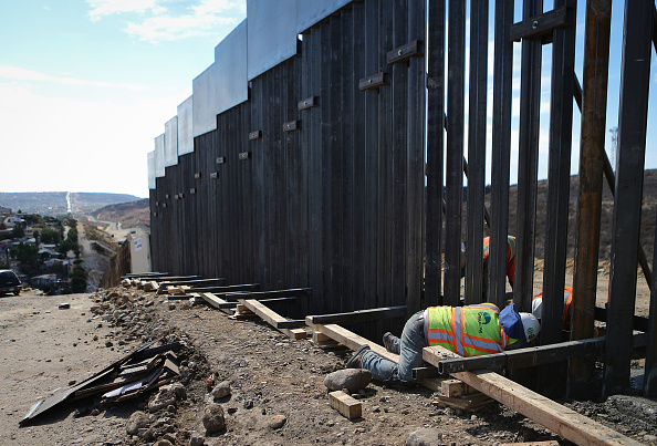 Baja California Peninsula「California-Mexico Border Remains Flashpoint In U.S. Political Immigration Debate」:写真・画像(14)[壁紙.com]