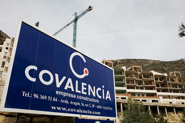 Concrete「Construction on the Coastline of Altea Hills, Spain」:写真・画像(1)[壁紙.com]