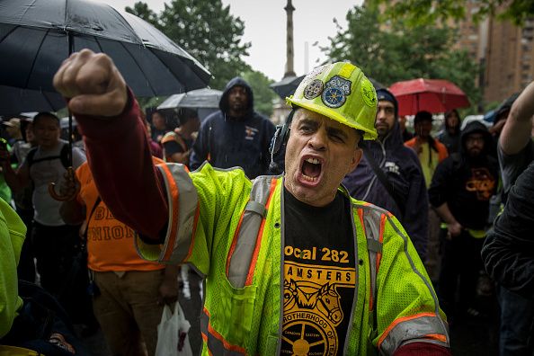 Labor Union「Union Workers' Groups Hold Rally In New York's Columbus Circle」:写真・画像(3)[壁紙.com]