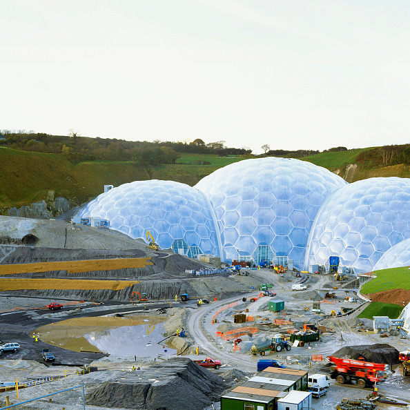 Giles「Construction of the Eden Project, Cornwall, United Kingdom Designed by Nicholas Grimshaw and Partners」:写真・画像(18)[壁紙.com]