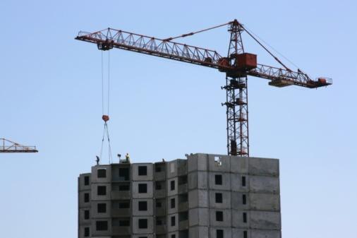 Crane - Construction Machinery「Construction crane against clear sky」:スマホ壁紙(17)